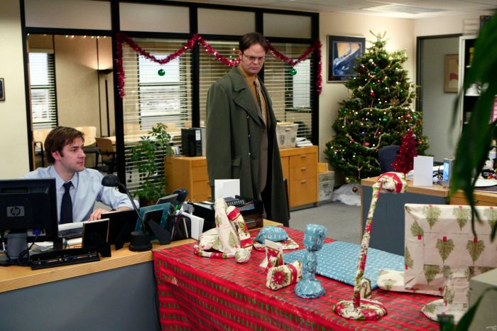 Christmas-Promo-Photo-the-office-2964888-2560-1707